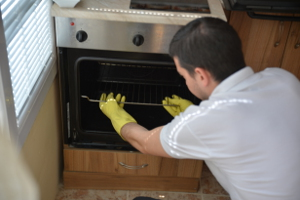 Oven cleaning Temple Mills E15