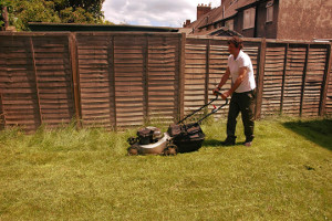 Gardening services Shoreditch N1