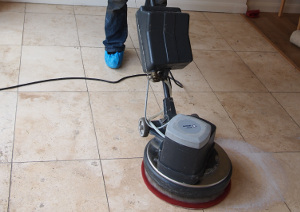 Hard floor cleaning Wall End E6