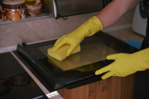 Oven cleaning Carshalton SM4