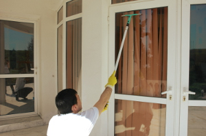 Window cleaning in Village RM10
